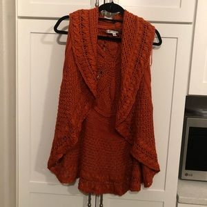 Sweaters - Sweater vest
